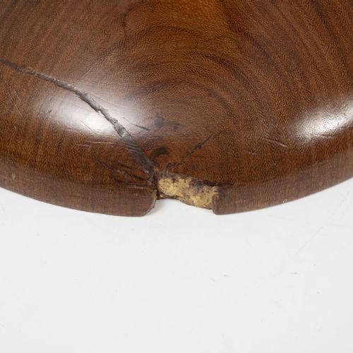 D'après Charles & Ray EAMES Tabouret Time Life.  En bois naturel.  45 x 35,5 cm.…