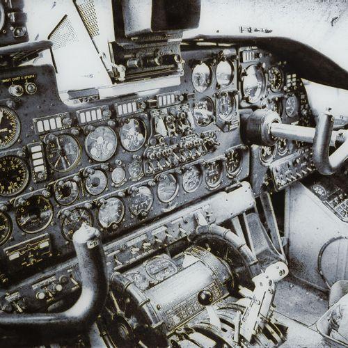 École contemporaine Cockpit d'Antonov An 26.  Impression numérique sur papier ma…