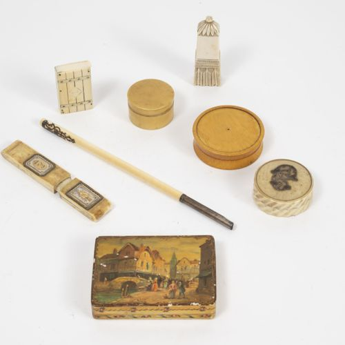 FRANCE, XIXEME SIECLE Petit lot d'objets en ivoire (Elephantidae spp ; > 20 % ; …