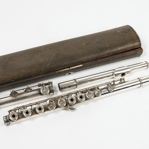 """MOLLERON & CHAPUIS à Lyon Flûte traversière en métal argenté, signée """"Molleron à…"""