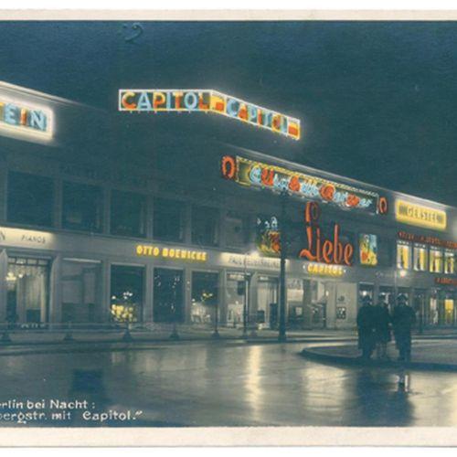 Sammlung d'environ 120 cartes postales avec des photos de cinémas. Stocké dans u…