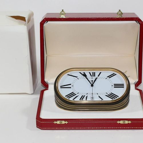 Cartier Deskwatch Tischuhr Le Must de Cartier.椭圆形台钟,带珐琅彩的黄铜外壳。石英机芯,编号7531,表壳编号75…