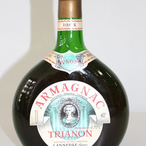 Armagnac VSOP. Trianon. 1964. Lannepax. France. Juste en dessous de la hauteur d…