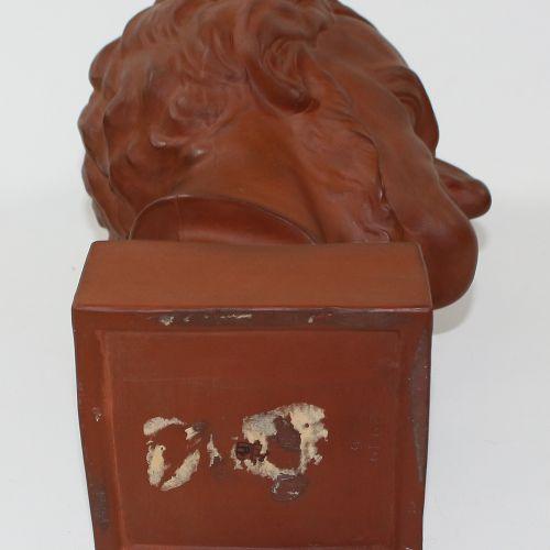 Wagner, Richard. Magnifique buste portrait en céramique de couleur rouge brun. F…