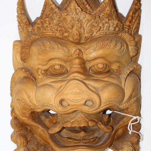 4 asiatische Holzskulpturen. Probablement la Thaïlande et l'Inde. Bois sculpté. …