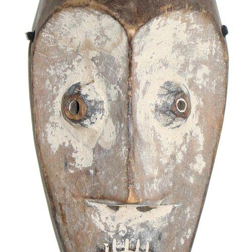 Lega, alte Maske. Rangabzeichen der Lega D.R.Kongo. Caolingefärbte, ovoide Maske…