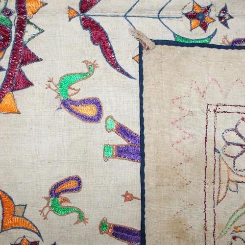Rajasthan Indien Wandbehänge. Paar prächtige, Bestickte Wandbehänge mit u.A. Leb…