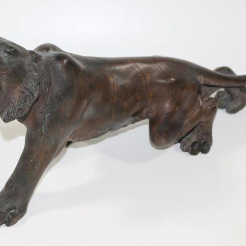 Japan schreitender Tiger Bronze eines Tigers, Japan Meiji Periode. Fein ausgearb…