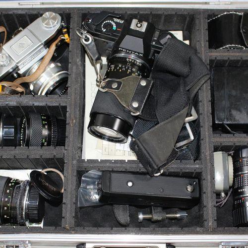 Kamera Austrüstung Practica FX mit Carl Zeiss Biotar 2/58 T, Sowie Pentax P30 N …