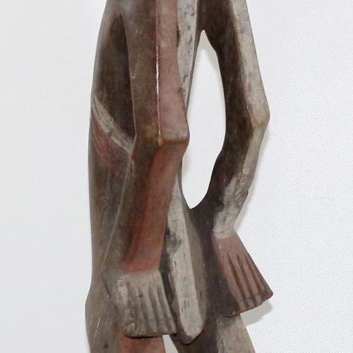 Mbole D.R.Kongo. Große Figur der Mbole. Antromorph geschnitzt mit rot weißer Far…
