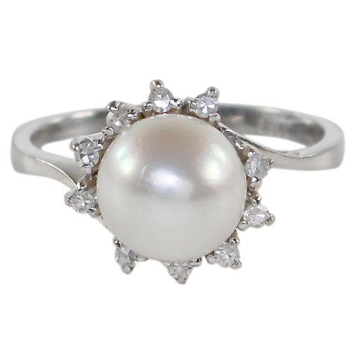 Perl Diamantring 750 WG. Ring mit Zentral Perle von D: 8mm u. 10 kl. Diamanten. …