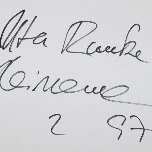 Politik. 收集了40份亲笔签名。签名:1974 2010,主要是DAT。地段。 除其他外,还包括Franz Müntefering, Liselotte…