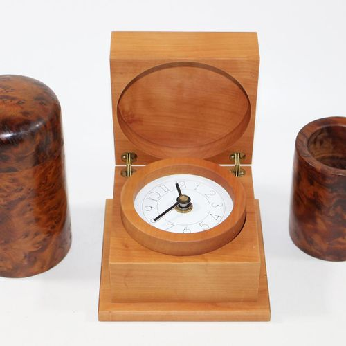 Sammlung Design u. Kuriosa. 几个主要是原创的包装设计对象。其中包括带照明的Kriptonite挂钟,设计Ballardini,2个设…