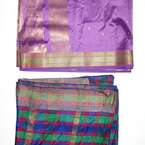 Sari Seide. 7条不同图案和颜色的大披肩。1)黑色纱丽约7.2平方米。2)紫色纱丽丝带边框5平方米。3)带边框的莎丽绸色。4)纱丽丝多色460 x 9…