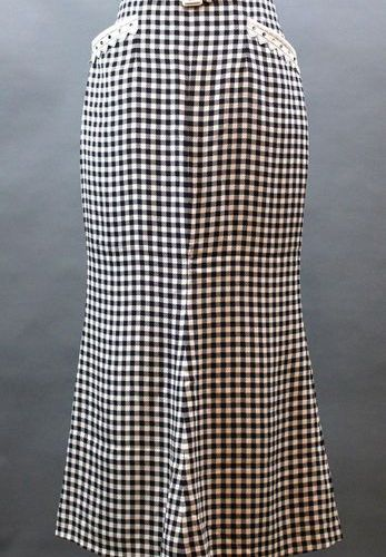 Lot of 3 pieces :  Christian DIOR Boutique N°89868, long skirt in black and whit…