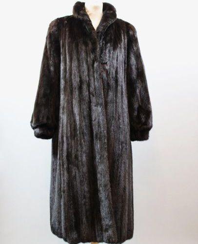 GIVENCHY Haute Fourrures  Manteau en vison Dark (légères usures en bordures), T.…