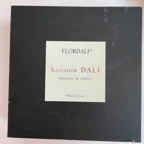 DALI Salvador (1904 1989) [Flordali Poire Don Quichotte]. Ca 1983. Grand plat en…