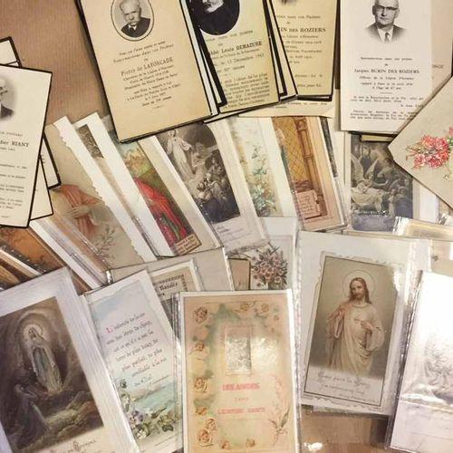 LOT D'IMAGERIES RELIGIEUSES comprenant environ 105 pièces (SAINTS, FLEURS, PRIER…