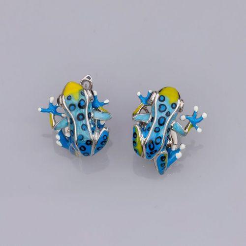 Paire de boucles d'oreilles en argent 925, à décor de grenouilles émaillées. 1…