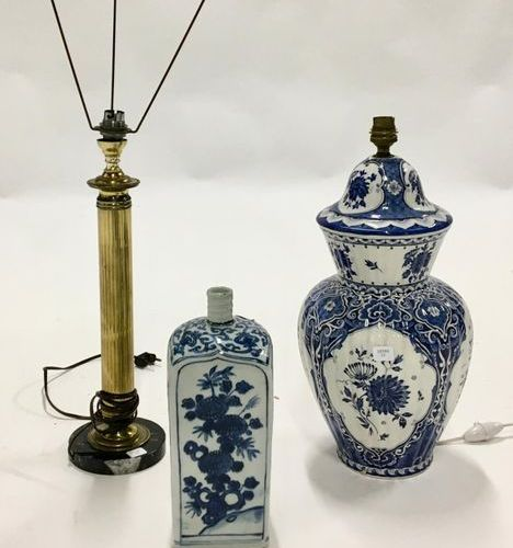 This set includes a rough lamp base in the style of DELFT, a small earthenware v…