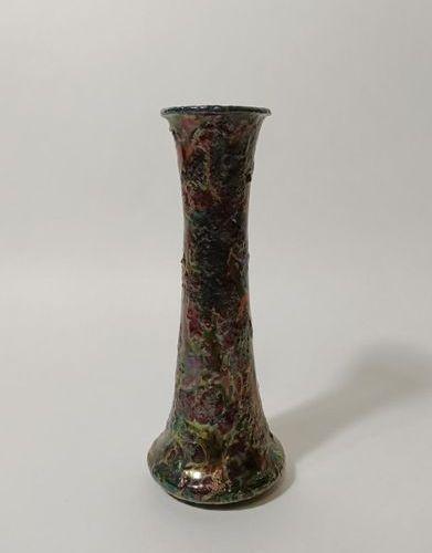 Delphin MASSIER (1844 1917) à Vallauris Haut vase en céramique de forme diabolo …