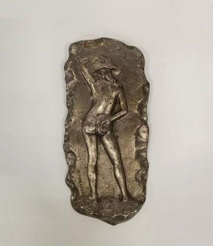 Gilbert POILLERAT (1902 1988) Plaque en bronze à patine argentée figurant une fe…