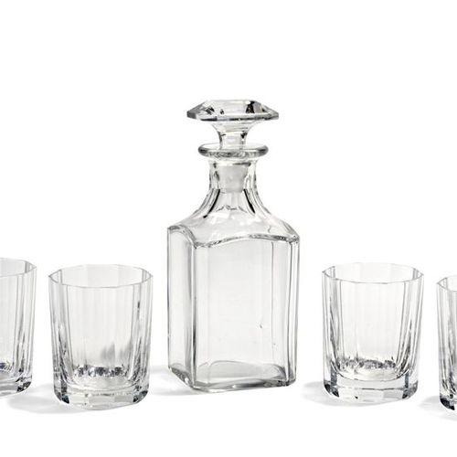 BACCARAT SERVICE à whisky en cristal composé de 4 verres à pans et d'une carafe …