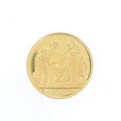 IRAN Mother's Day Commemorative Medal in yellow gold Obverse: Bust of Empress Fa…