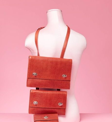 Chantal THOMASS Automne Hiver 1987 Shoulder bag with multiple compartments, in o…