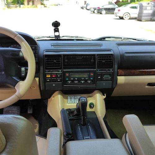 Land Rover Discovery Land Rover Discovery    Marque : Land Rover  Modèle : Disco…