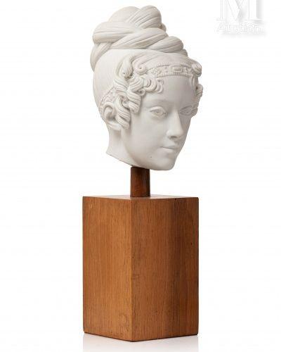 Sevres. Rare tête en biscuit figurant Marie Caroline de Bourbons Siciles, duches…