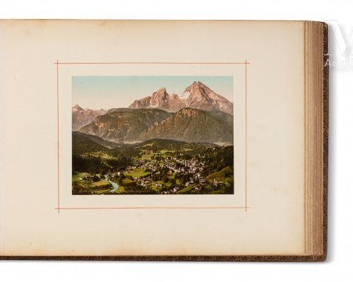 Album de photographies Grand album à l'italienne, avec environ 80 photographies …