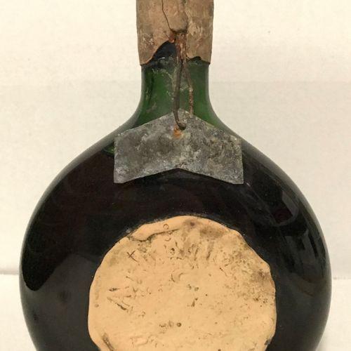 1 bouteille ARMAGNAC 1942 (étiquette cire difficile à lire mais millésime sur pl…