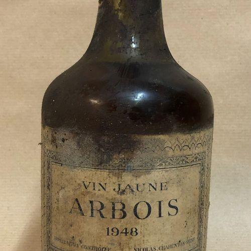 1 bouteille VIN JAUNE D'ARBOIS, Nicolas 1948 (étiquette tachée, étiquette sale, …