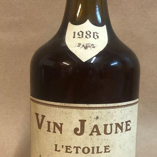 """1 bouteille VIN JAUNE """"L'étoile""""', Barthod 1986 (étiquette légèrement tachée)"""