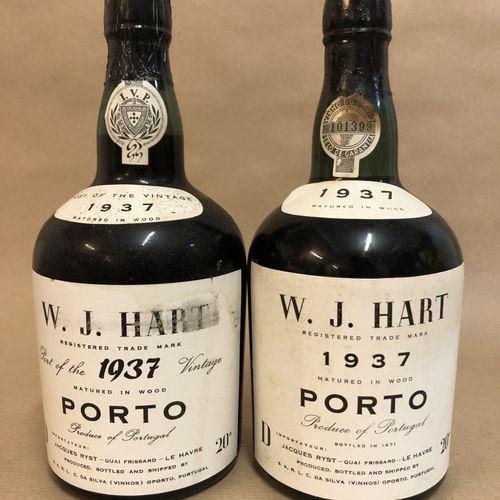2 bouteilles PORTO W. J. Hart 1937 (1 Port of the Vintage, Légèrement Basse)