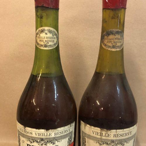 """2 bouteilles CALVADOS """"Vieille Réserve, VSOP"""" Busnel"""