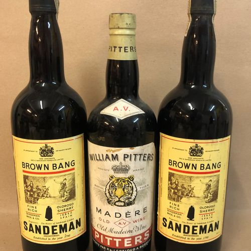 3 bouteilles DIVERS (2 Brown Bang, Oloroso Sherry Sandeman; 1 Madère Pitters)