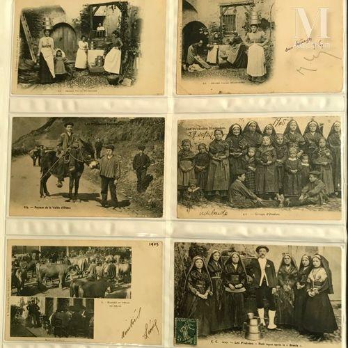 Collection présentée en 3 gros classeurs modernes. Pyrénées, Pays Basques. Très …