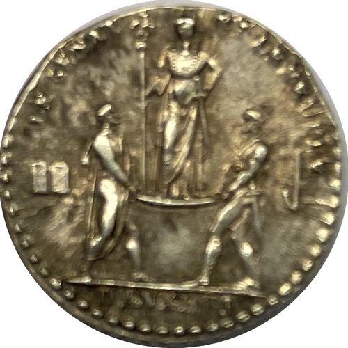 Médaille – Napoléon Empereur (1804 1815)  Une médaille  A : Tête laurée à droite…