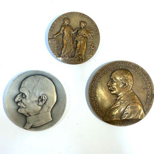"""Médaille France  Lot de trois médailles, """"Condition publique des soies, laines, …"""