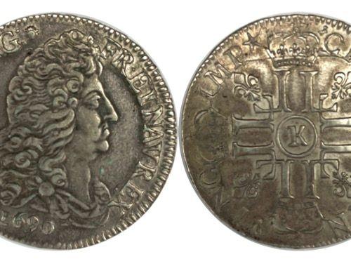 法国 路易十四(1643 1715)  1/2盾牌与8 L 1690 K(波尔多)。  A: 右边的路易十四的衣着半身像  R: 8个带冠的L,由四朵百合花分开…