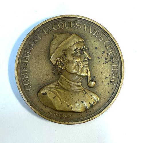 """France Commandant Cousteau  Une médaille """"Commandement Jacques Yves Cousteau, le…"""