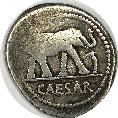 Rome – Jules César (100 44 av J.C)  Un denier  A : Éléphant passant à droite  R …