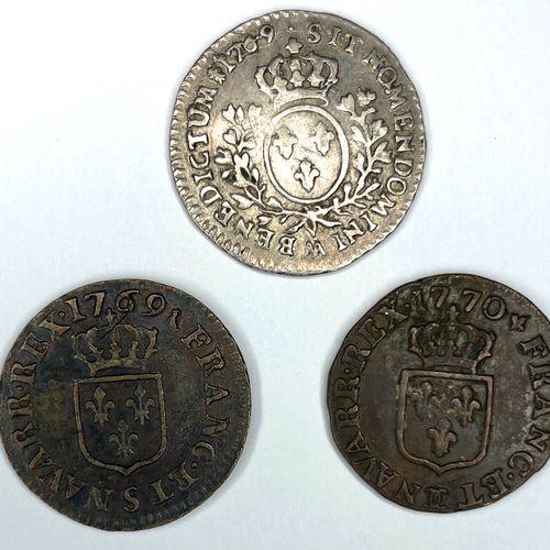 France – Louis XV (1715 1774)  Lot de trois monnaies comprenant :   1/10e Écu a…
