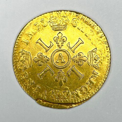 France – Louis XIV (1610 1643)  Un Louis d'or aux 4 L  A : Buste lauré à droite …