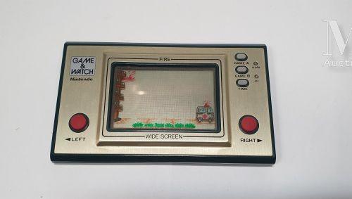 """NINTENDO GAME & WATCH NINTENDO GAME & WATCH  """"Fire"""" (FR 27) , Jap (1981)  Green …"""