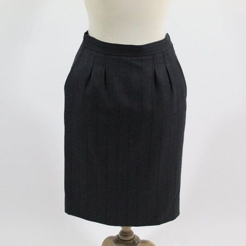 Yves Saint LAURENT YVES SAINT LAURENT Left Bank  Grey woollen straight skirt wit…