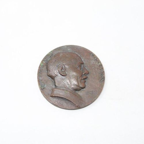 VANIER Raymond (1895 1965)  Bronze Medal  Obverse: bust straight in profile. Ins…