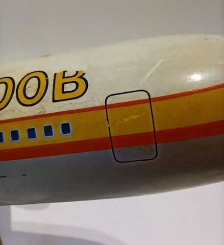 AIRBUS A300 1/100° scale counter model in resin on metal base, French manufactur…